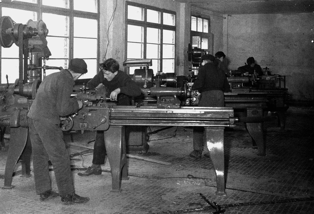 la scuola di meccanica negli anni 60